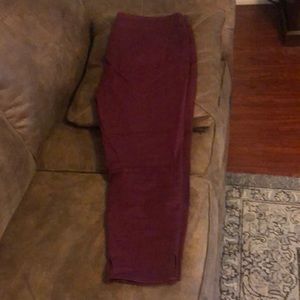New 18 burgundy Maurices jeans